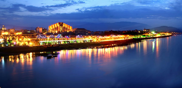 重庆出发西双版纳,老挝古都琅勃拉邦七天自驾游